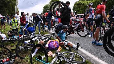 Виновница грандиозного завала на «Тур деФранс» объявлена врозыск