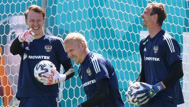 Черчесов рассказал, кто будет основным вратарем сборной