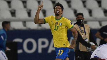 Бразилия вменьшинстве переиграла Чили в1/4 финала Кубка Америки