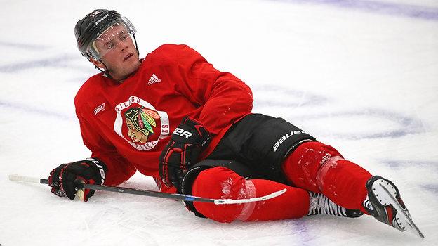 НХЛ. Джонатан Тэйвз пропустил сезон из-за болезни, когда вернется вхоккей капитан Чикаго