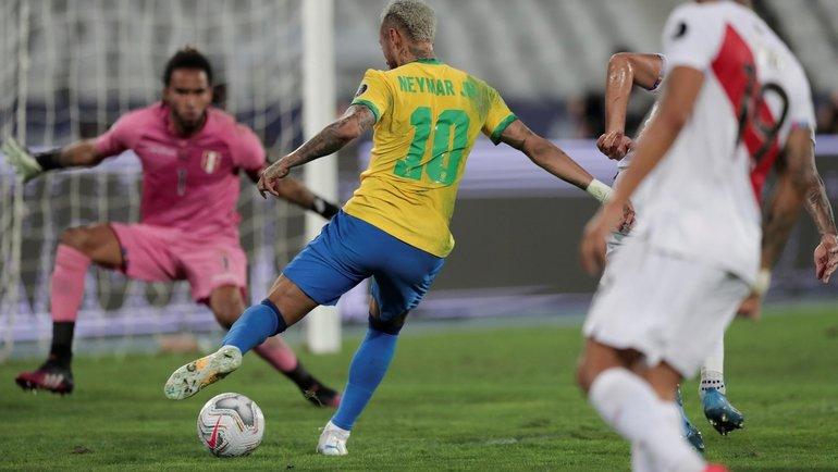 Неймар вматче Кубка Америки против Перу. Фото Twitter