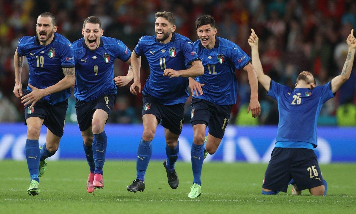 Италия— вфинале Евро! Команда Манчини выбила блестящую Испанию