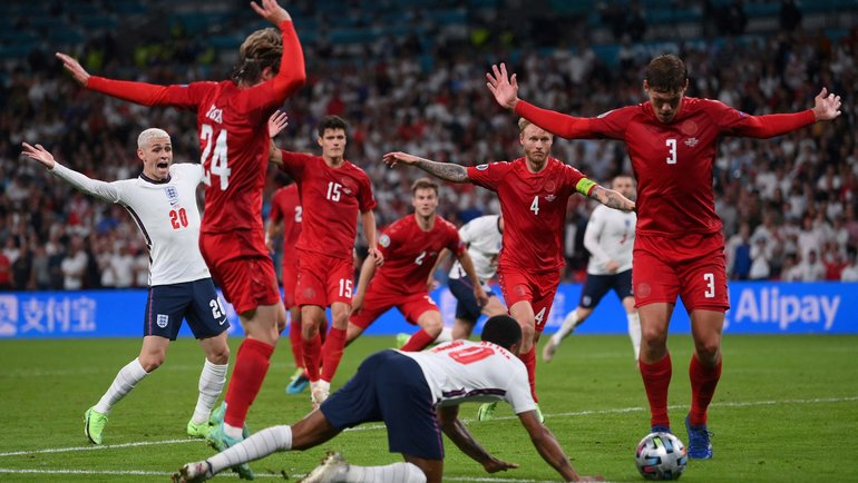 Главный скандал чемпионата Европы: Англию вывел вфинал спорный пенальти