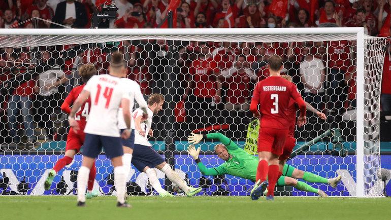 После левого пенальти впользу Англии— только Forza Italia! Рабинер— овтором полуфинале Евро