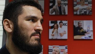 Боксер Бетербиев назвал главное оружие бойца UFC Чимаева