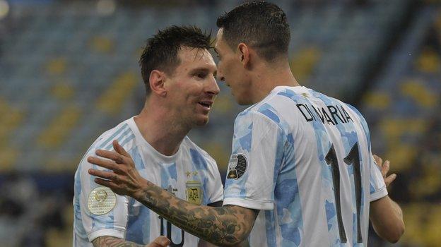 11июля. Финал Кубка Америки. Аргентина— Бразилия— 1:0. Месси иДиМария празднуют гол. Фото Twitter