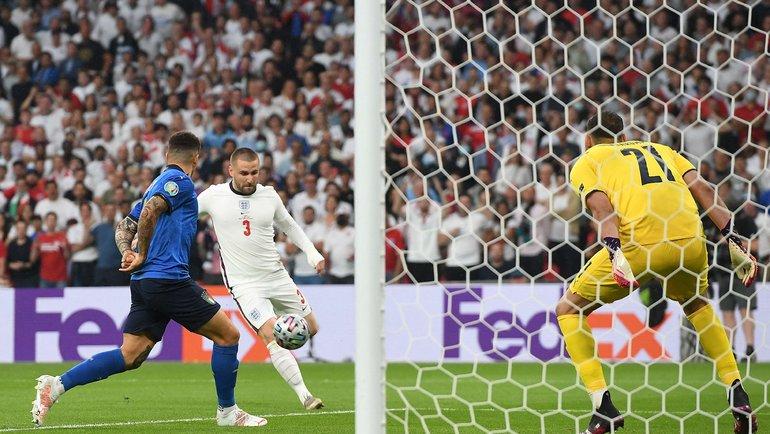 Люк Шоу открыл счет на2-й минуте финала. Фото AFP