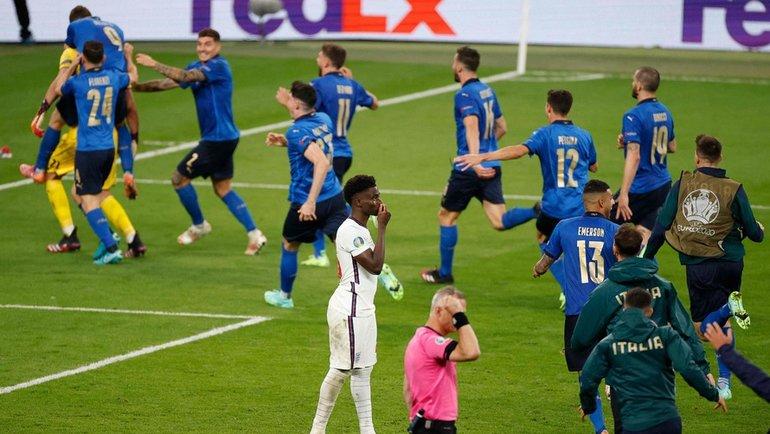 11июля. Лондон. Италия— Англия— 1:1, пенальти— 3:2. Итальянцы выиграли чемпионат Европы. Фото AFP