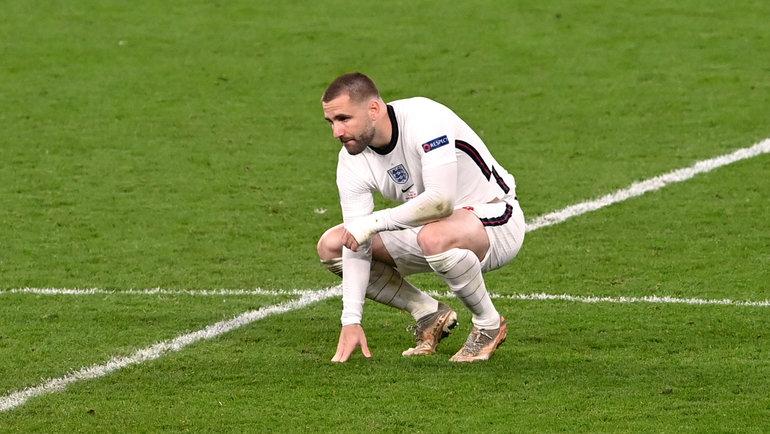 Шоу едва нестал героем нации для Англии. Аведь мог лишиться ноги истрадал отнападок Моуринью