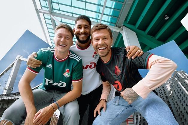 Антон Миранчук (слева), Пабло (вцентре) иФедор Смолов. Фото ФК «Локомотив»