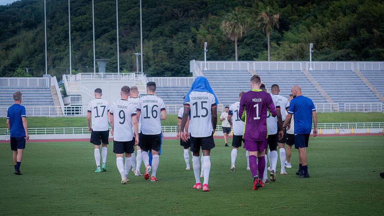 17июля. Вакаяма. Германия— Гондурас. Футболисты немецкой команды. Фото dfb.de