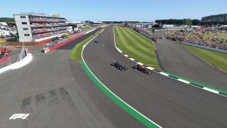 Макс Ферстаппен иЛьюис Хэмилтон. Фото «Формула-1».