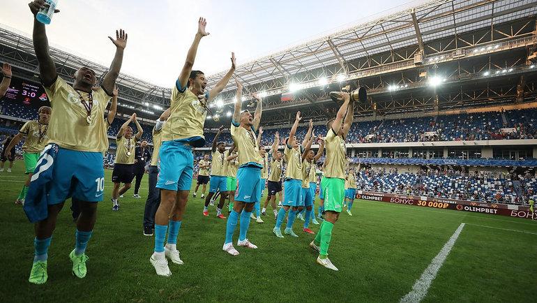 Игроки «Зенита» празднуют победу. Фото Анна Мейер., ФК «Зенит»