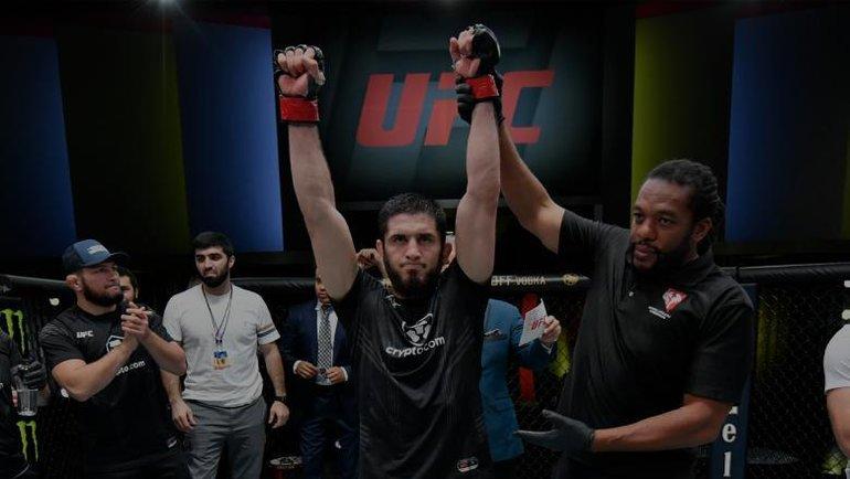 18июля. Лас-Вегас. Ислам Махачев одержал победу над Тиаго Мойзесом вглавном событии UFC Vegas 31. Фото UFC