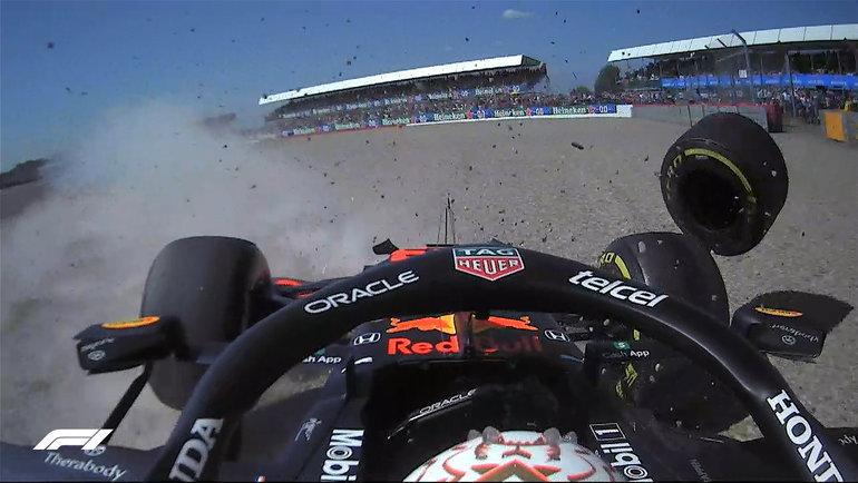 Макс Ферстаппен иего болид после вылета. Фото «Формула-1»