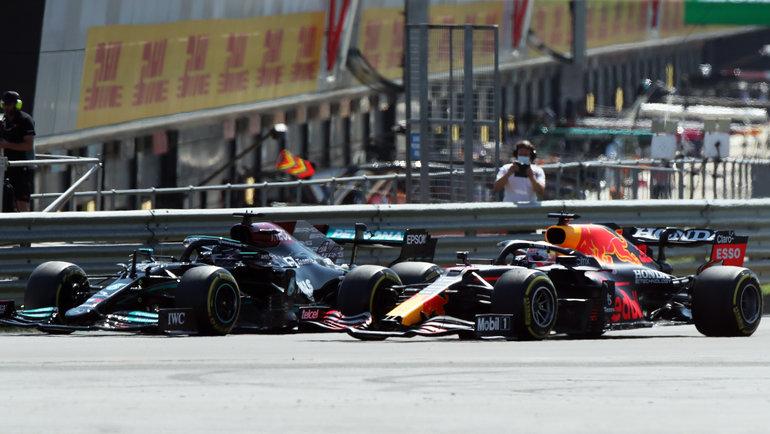 Столкновение между Хэмилтоном иФерстаппеном. Фото Reuters