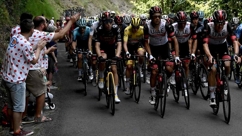 На «Тур деФранс» искали двигатели ввелосипедах. Как наэто отреагирует МОК?
