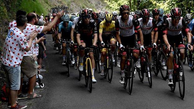 Велоспорт. Тур деФранс-2021, итоги. Скандал сдвигателями ввелосипедах