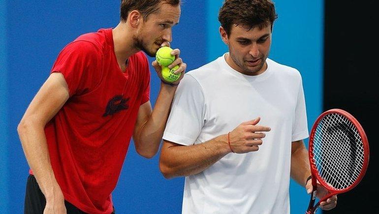 Даниил Медведев и Аслан Карацев. Фото Instagram