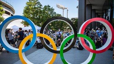 Впервые вистории Олимпиады спортсмены преклонили колено