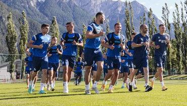 Футболисты «Динамо» вовремя тренировочного сбора.