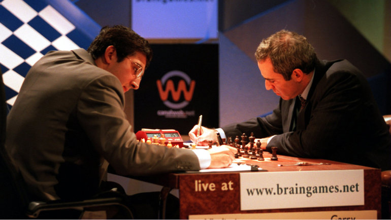 Владимир Крамник иГарри Каспаров. Фото Getty Images