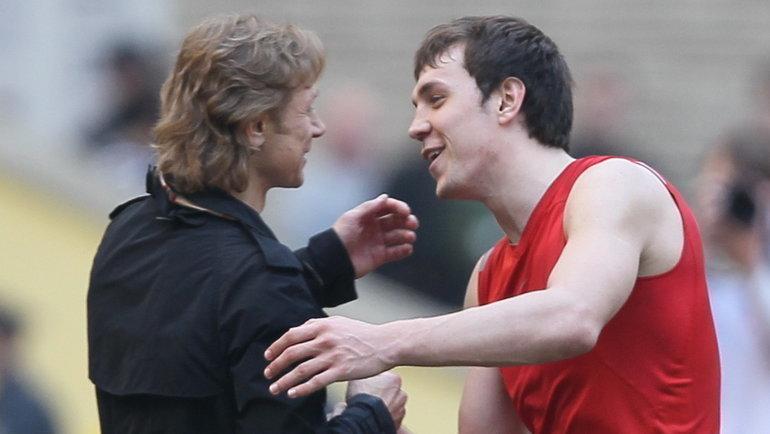 2011 год. Валерий Карпин (слева) иАртем Дзюба. Фото Александр Федоров, «СЭ»