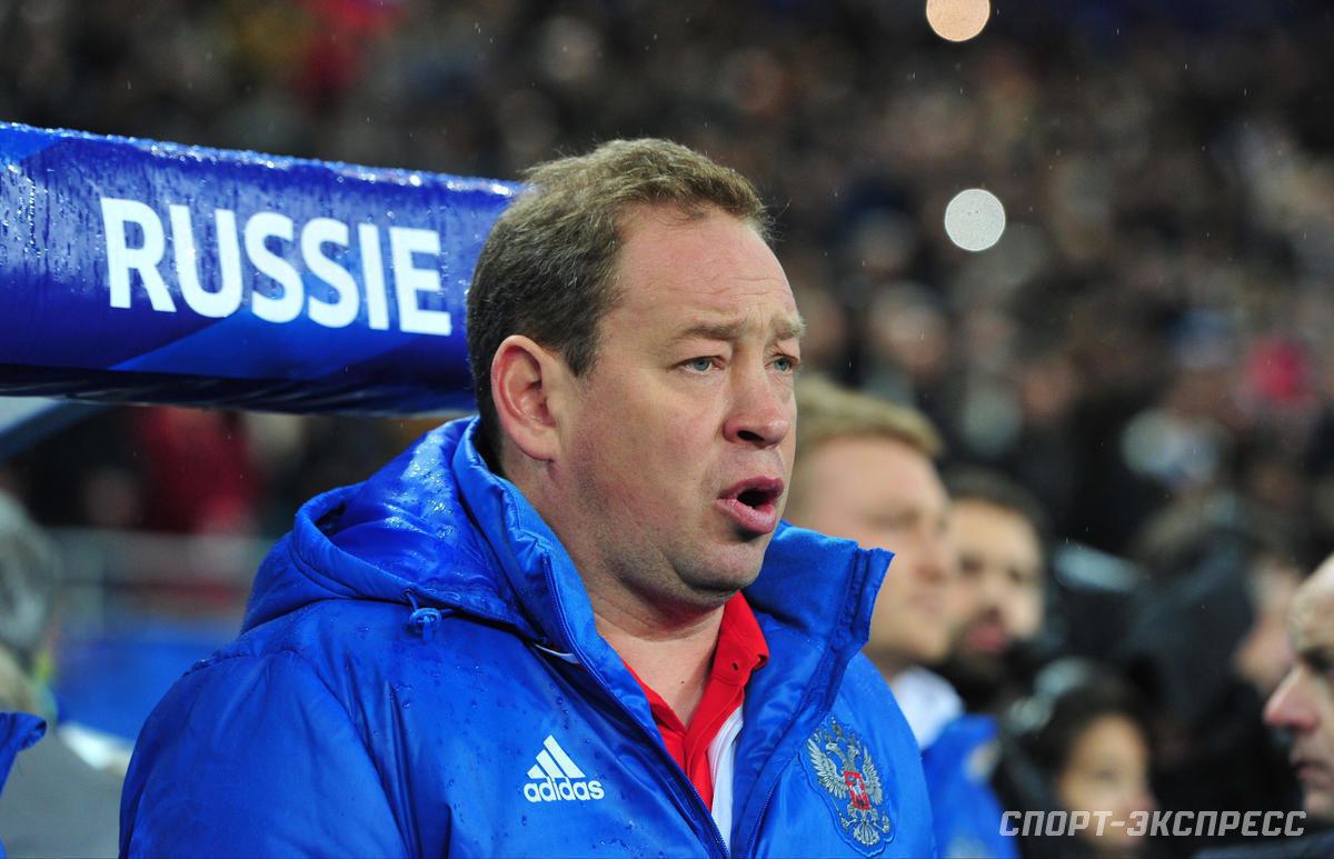 Романцев иСлуцкий разрывали вотборах, Газзаев непотянул. Как работали тренеры-совместители всборной России