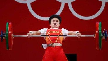 Китаянка Чжихуй установила три олимпийских рекорда втяжелой атлетике наОлимпиаде вТокио