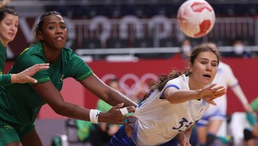 Женская сборная России погандболу сыграла вничью сБразилией.