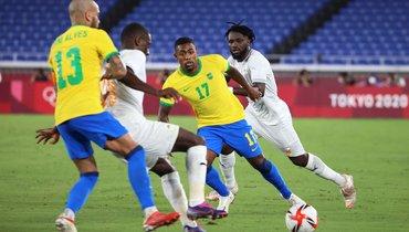 25июля. Йокогама. Бразилия— Кот-д'Ивуар— 0:0. Игрок «Зенита» бразильский нападающий Малком (№ 17). Фото AFP