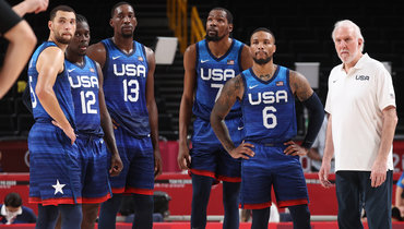 Баскетболисты сборной США.