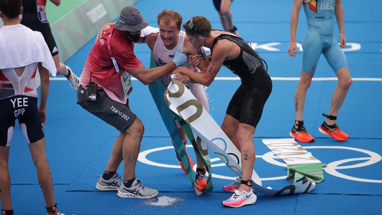 Нескольким участникам триатлона Олимпиады стало плохо отперегрева. Фото AFP