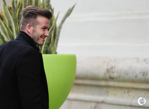 """Сегодня. Валенсия. Новичок """"ПСЖ"""" Дэвид БЕКХЭМ прибыл в Валенсию, чтобы понаблюдать за игрой своего нового клуба в Лиге чемпионов. Фото AFP."""