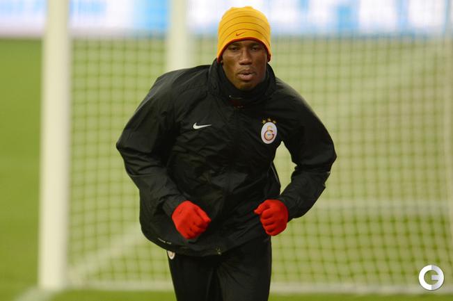 """Нападающий """"Галатасарая"""" Дидье ДРОГБА на тренировке клуба. Фото AFP."""