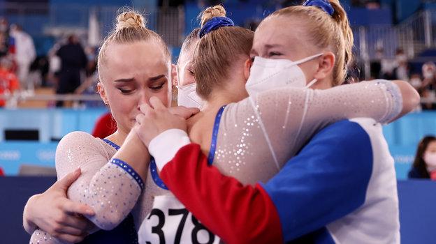 Российские гимнастки несмогли сдержать слез после победы.