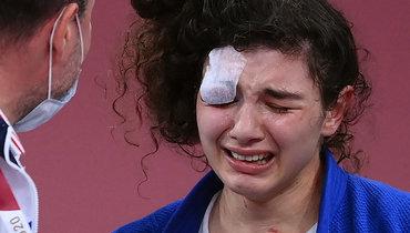 Мадина Таймазова неможет сдержать слез после победы впоединке забронзу.