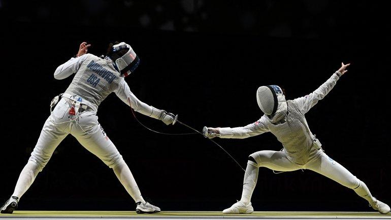 Инна Дериглазова (справа) против американки Жаклин Дубрович. Фото AFP