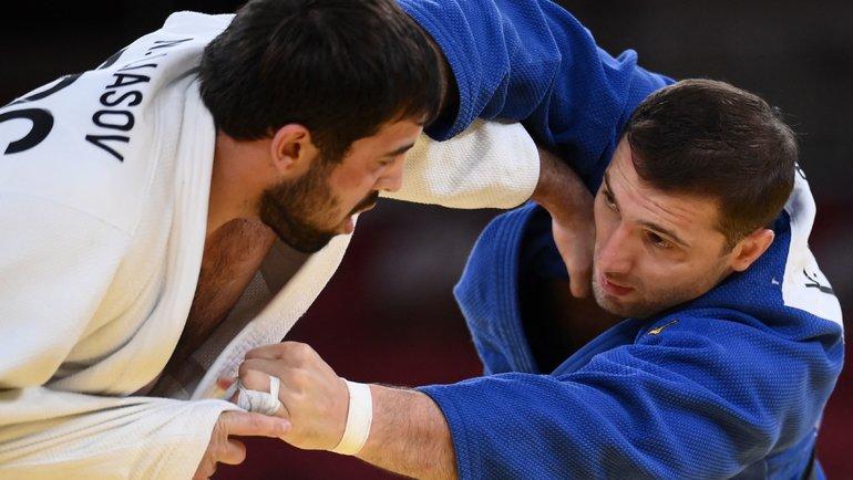 Нияз Ильясов (слева). Фото AFP
