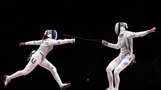 Инна Дериглазова (справа) против француженки Аниты Блэйз. Фото AFP