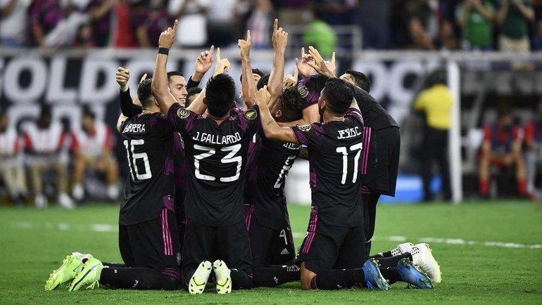 30июля. Полуфинал Золотого кубка КОНКАКАФ. Мексика— Канада— 2:1. Фото AFP