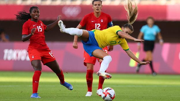 Женская сборная Канады обыграла команду Бразилии. Фото AFP