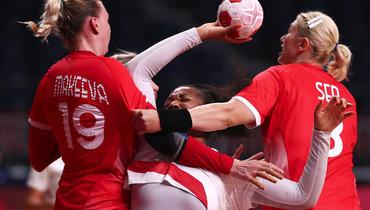 Российские гандболистки обыграли Францию вматче групповой стадии Олимпиады.