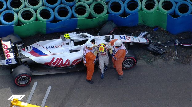 Болид Мика Шумахера после аварии. Фото Twitter