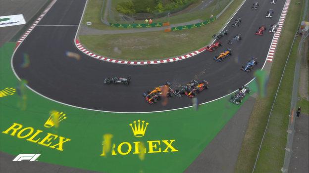 Авария настарте «Гран-при Венгрии». Фото Twitter