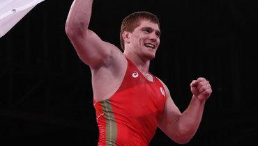 Россиянин Евлоев выиграл золото Олимпиады вгреко-римской борьбе