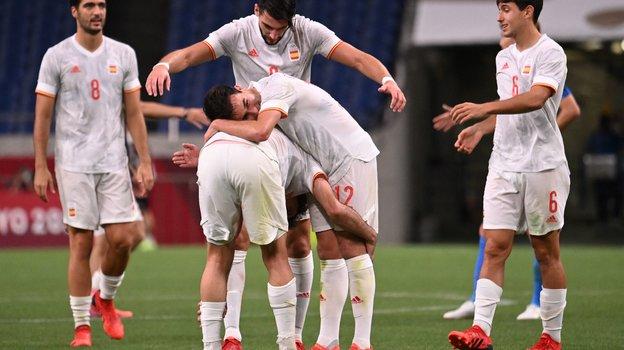Сборная Испания пофутболу вышла вфинал Олимпиады. Фото AFP