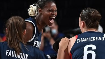 Французские баскетболистки победили Испанию ивышли вполуфинал Олимпиады вТокио