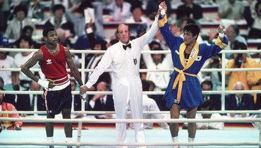 Пак СиХун (справа) победил Роя Джонса-младшего наОлимпийских играх-1988.