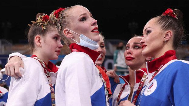 Российские гимнастки проиграли вфинале Олимпиады изавоевали серебро вхудожественной гимнастике. Фото Getty Images